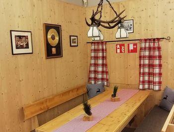 Bar Stammtisch Alpensaal